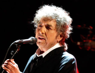"""Bob Dylan's Daring New Song – """"I Contain Multitudes"""""""