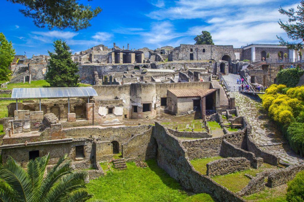 Virtually Tour These Excavated Ancient Villas of Pompeii