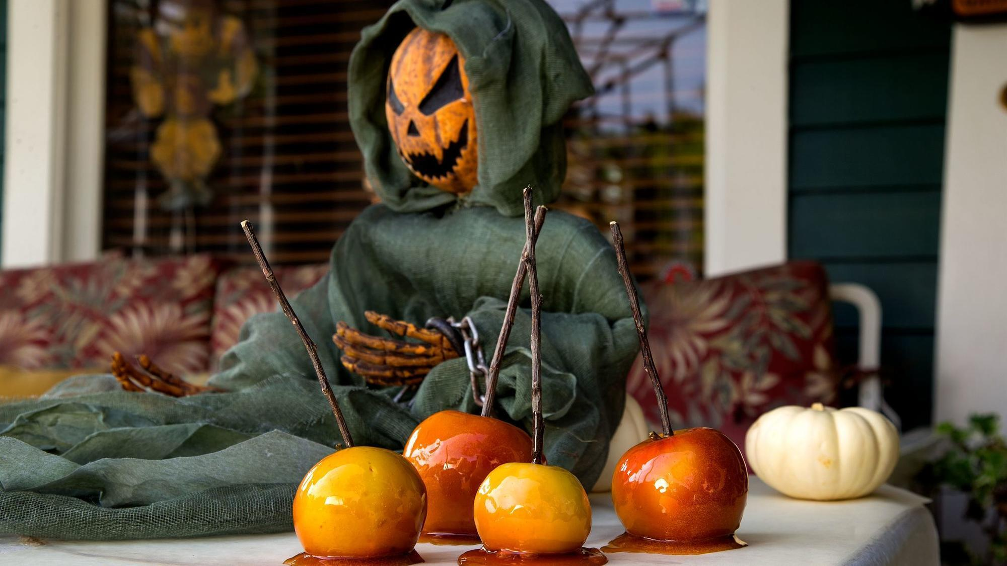 toffee apples on Halloween