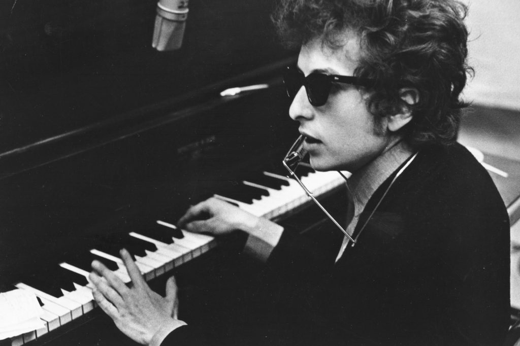 An Interview Reveals that Bob Dylan Wrote 'Lay Lady Lay' for Barbara Streisand